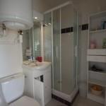 salle de bain compléte de notre appartement en location saisonnière a villers sur mer