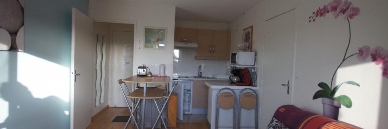 cuisine et salon de notre location saisonnière